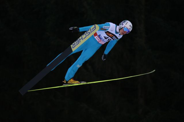 http://www.toutleski.com/upload/images/news/large/te-p2228-saut-ski.jpg